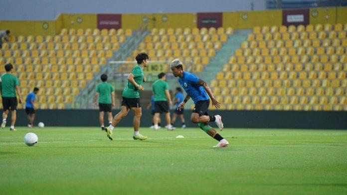 Timnas Indonesia melakukan latihan di Dubai. (PSSI)